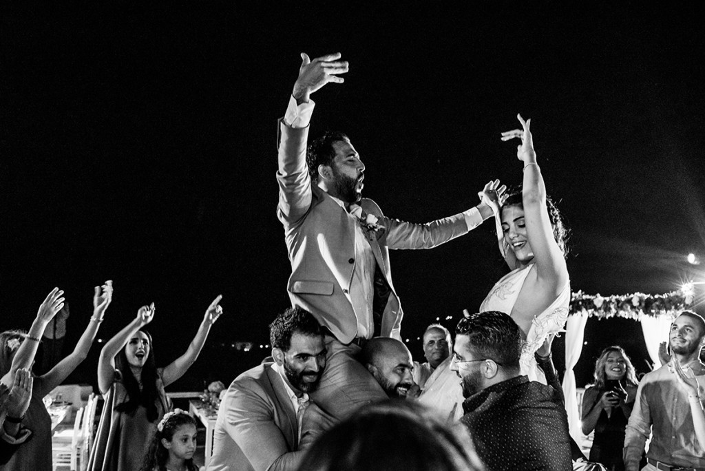 wedding party in Mykonos